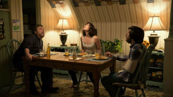 10-Cloverfield-Lane-Mary-Elizabeth-Winstead-John-Goodman-John-Gallagher-Jr