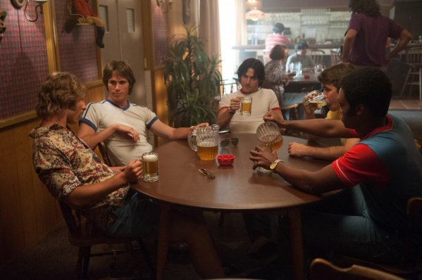 everybody-wants-some-2014-003-guys-sit-at-table-drinking-ORIGINAL